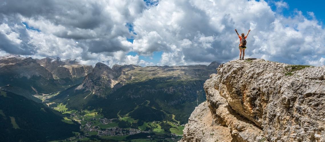 Blij op de bergtop